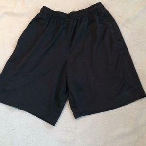 Men's Umbro   Black Shorts Size L